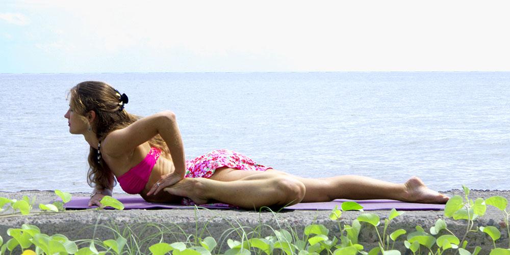 Вероника Тулаева тренер по йоге. Расписание занятий. Йога на Пхукете. Йога 23 Veronika Tulaeva - yoga teacher Yoga23