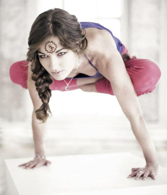 Вероника Тулаева- опытный тренер йоги Yoga23